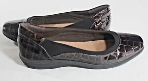 CLARKS Soft Cushion 10 BROWN Reptile Patent LEATHER Nylon Non Slip FLATS Shoes