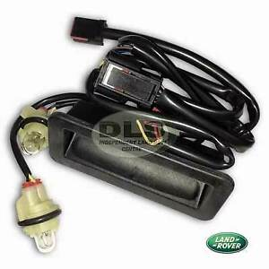 Genuine Tailgate Release Switch Land Rover Discovery 3 and 4 (LR079909LR)