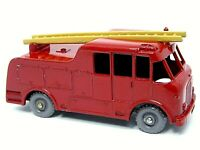 Matchbox Lesney No.9c Merryweather Marquis Fire Engine (NO TRIM FACTORY ERROR)