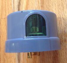 Sun-Tech Outdoor Twist Lock Photo Control, Dusk to Dawn, 105-130V, 50-60HZ