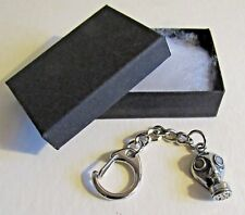 F) KEY-RING PEWTER GAS MASK PROTECT FROM INHALING AIRBORNE TOXIC GASSES WW2 WW1