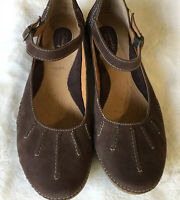 Clarks Artisan Womens Mary Jane Shoes Brown Suede Driving Shoes Comfort 10M E11