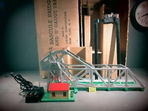 Lionel  313-50 Bascule Bridge WORKS CONDITION. O.B. WITH  ENTRAILS.