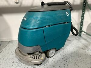 """Tennant T5 28"""" Disk Scrubber 1854 Hours Built In Charger"""