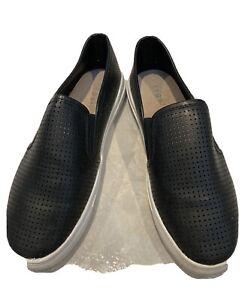 Regatta Black Leather Slip-ons sz 7