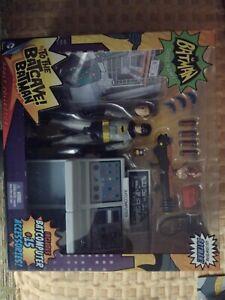 Mattel-Batman Classic TV Series-To The Bat Cave-BatComputer & Figure-NEW