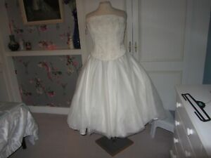 Vintage style ballerina wedding dress in ivory satin/tulle size 12