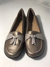 Clarks Collection Womens 6C Metallic Gold Loafers Fring Tie Accent Comfort EUC