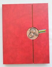 1980 RARE RUSSIAN SOVIET OLYMPIC BOOK CATALOG SOUVENIR PORCELAIN AMBER BEAR PIN