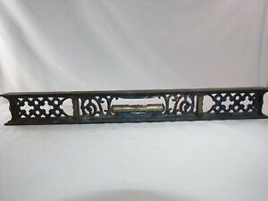 "Vintage Williamsburg MFG. Metal 18"" Level - Carpentry"
