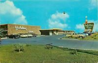 Laredo Texas~Holiday Inn~NICE 1950s Cars~1965 Postcard