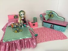 Monster High furniture Bedroom set:Lagoona Blue.Bed,sofa,lamp,wood Box