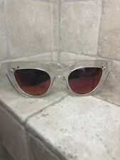 Quay Australia Sunglasses Women's KITTI Clear/Pink NWT Includes Soft Case