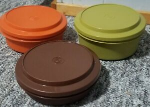 6 VINTAGE TUPPERWARE SEAL-N-SERVE BOWLS / PLATES, 1970s, MADE IN USA