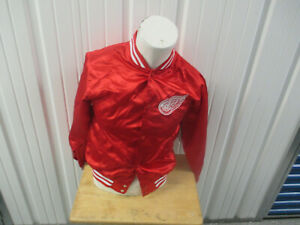 VINTAGE NHL GENUINE STUFF DETROIT RED WINGS SEWN YOUTH LARGE JACKET WOMEN NWT