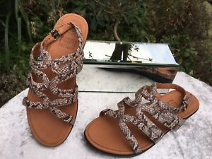New Genuine Fitflop Strata Gladiator Snake Learher Sandals Size UK 4