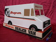 MIB Snap-on Tool Plastic Toy Delivery Van Truck Sales Guides Inc. Clock NIB