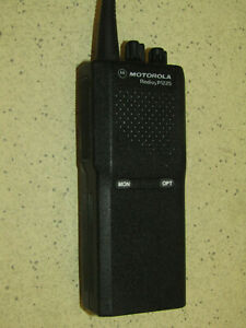 Motorola Radius P1225 UHF radio