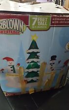 Gemmy 7' Airblown Inflatable Animated Snow Family With Christmas  Tree