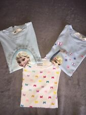 """3 schöne T- Shirts """" Elsa & Schmetterling """" Gr. 134/140 - H&M- Wie Neu"""