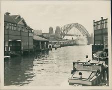 New Zealand, Sydney Harbor Bridge  Vintage silver print.  Tirage argentique
