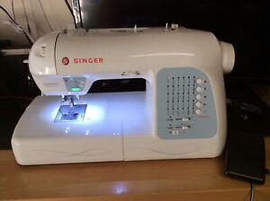 Singer Futura XL-400 embroidery machine Plus extras.