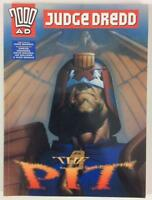 Judge Dredd The Pit GN softcover (Hamlyn 1997) VF/NM condition