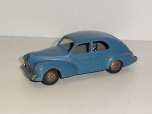 Peugeot 203 DINKY TOYS modèle repeint  ef