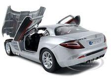 MERCEDES SLR MCLAREN SILVER 1:24 DIECAST MODEL CAR BY MOTORMAX 73306