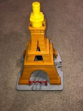 Fisher-Price GEO TRAX Disney PIXAR Cars 2 Eiffel Tower Tire Crash