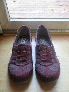 Skechers Relaxed Fit Memory Foam Womens 11M Burgundy Slip on Comfort Shoes