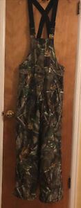 Field And Stream RealTree Hardwoods Camo Bibs Mens Small Hunting Fishing Outdoor