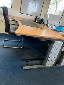 Large Ofiice Desk 2mtrs x 1mtrs x 720mm high
