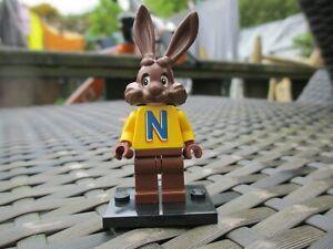 LEGO Studios 4051 NESQUIK Bunny - QUICKY THE RABBIT Minifigure w/ Stand RARE