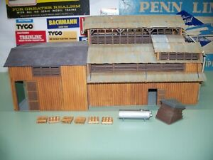 HO SCALE UNBRANDED WOOD KIT FACTORY BUILDING