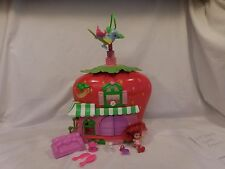 STRAWBERRY SHORTCAKE BERRY house CAFE  PLAYSET 2008 w/Twirling Bird + Accessorie