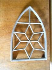 Vintage french cast alu architectural Support TRIVET