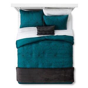 4pc ROOM ESSENTIALS Linework Geometric Comforter Set   Green   TWIN XL   NWT