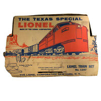 Vintage Postwar Lionel Texas Special 1055 with 3 Cars and Caboose With Box