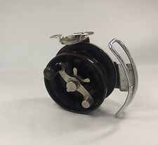 VINTAGE ALVEY SIDE CAST FISHING REEL UNUSUAL LINE GUIDE
