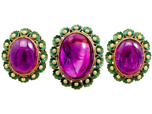 Antique 39.82 Ct Amethyst 18k Yellow Gold and Green Enamel Jewellery Set