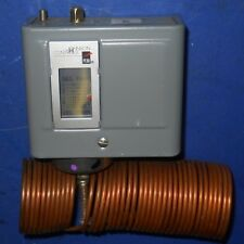 JOHNSON CONTROLS A70GA-1C FOUR-WIRE TWO-CIRCUIT TEMPERATURE CONTROL, NNB *PZB*