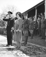 KING GEORGE VI-QUEEN ELIZABETH Visit Southern Command in Britain-1942 PHOTO