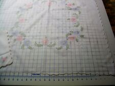 Beautiful embroidered tablecloth and 6 napkins