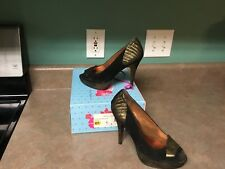 Poetic License Egyptian Princess Black and Gold Women's Heels  Size 7.5 (CON6)