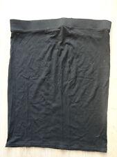 Belle jupe noire moulante T.40 TBE