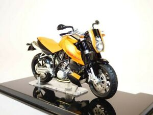 Moto KTM LC8 orange 1/24