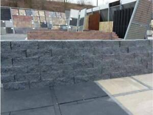 Mauerstein gebrochen Schwarz 30x10x10 cm aus Beton für Terrasse und Garten