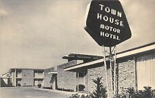 NEW ORLEANS LA TOWN HOUSE MOTOR HOTEL AIRLINE HWY NEON SIGN ?POSTCARD c1960s