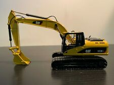 Norscot Caterpillar 323DL Hydraulic Excavator 1/50 Scale Model #55215